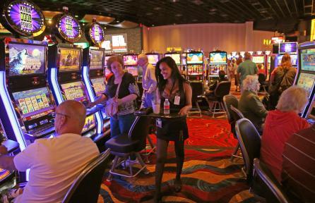 club 446 rivers casino