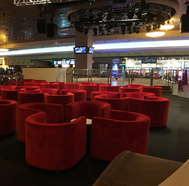 Centrale Bar at Fox Tower Casino, where $1 Blackjack can always be seen.